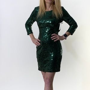 NWT! Lulu's Green Sequinned Evening Dress Size M
